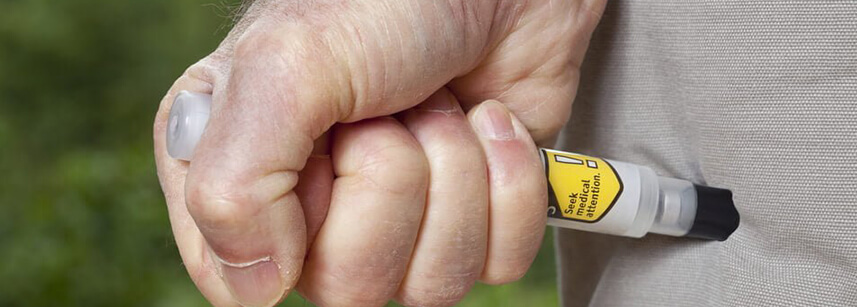 Besin alerjisi olan hastalar adrenalin oto-enjektörü taşımalı mı